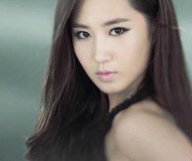 I respect everybody's opinion but for me Yuri is the prettiest, alongside Yoona and Taeyeon ^^