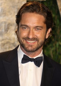I do NOT find Gerard Butler sexy of attractive.