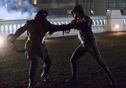 The Dark Archer(John) vs The Green Hood(Stephen)!