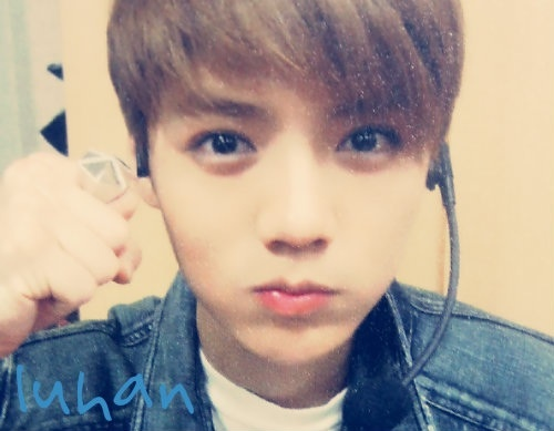 luhan oppa is my fav becus he is the cutst boy i ever see