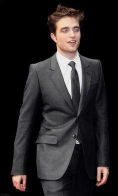 my handsome 27 năm old British babe<3