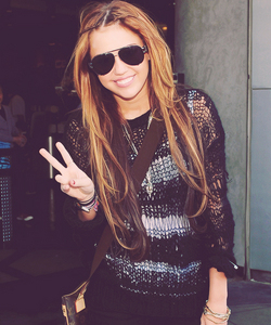 Miley with shades❤ ❥