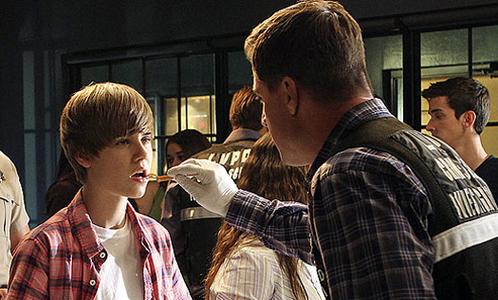 Justin Bieber on an episode of CSI<3