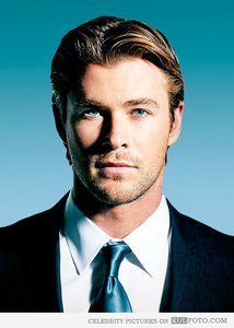 my blue eyed Aussie babe,Chris Hemsworth<3