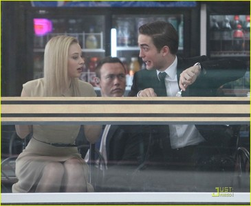 my handsome cutie being funny on the set of Cosmopolis<3