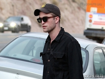 my handsome Robert from the side<3