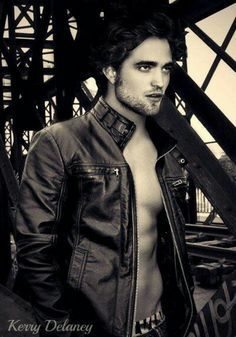 He's so hot that I've changed his last name from Pattinson to Hottinson<3
