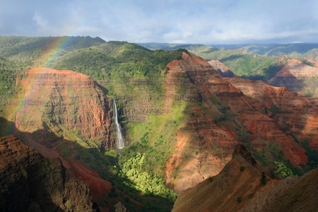 The Grand Canyon of the Pacific in Hawaii =) So beautiful~