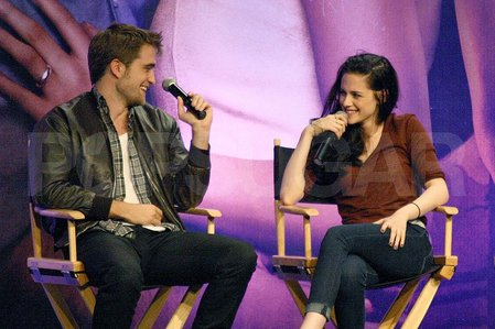 Robert and his Twilight saga co-star,Kristen Stewart<3