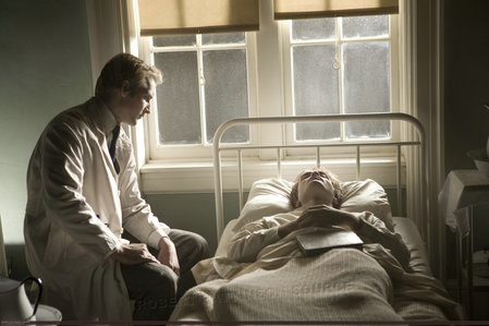 my gorgeous Robert,as Edward Cullen,in a hospital from a flashback scene in Twilight<3
