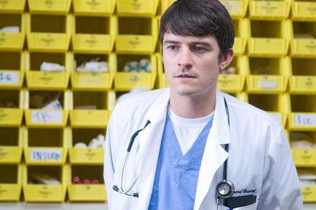 I'd cinta to have him as my doctor! <3 Good care as well as good looks ;)