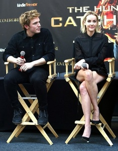 Sam claflin and Jenna Malone