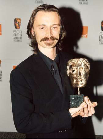 awww, my precious little gem ♥♥♥ (with his BAFTA-award)