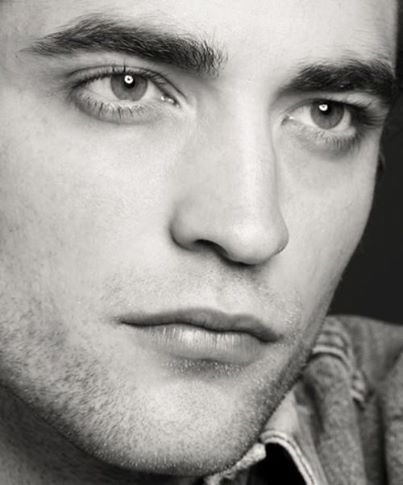 even in b&w,his eyes are captivating<3