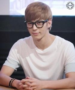 Lee Hongbin!