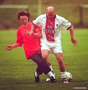 my Bobby (in red) plays soccer :D :D
