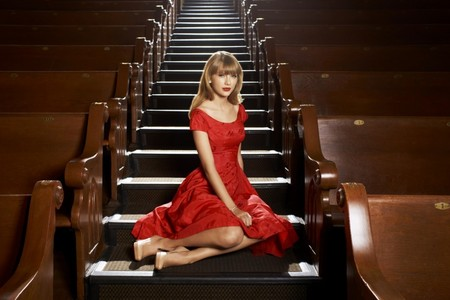 Taylor In RED =D