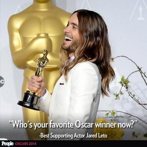 Gesù holding his Oscar<3