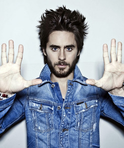 Jared with his hands up<3