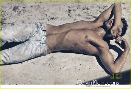 Jamie Dornan shirtless...hubba,hubba<3