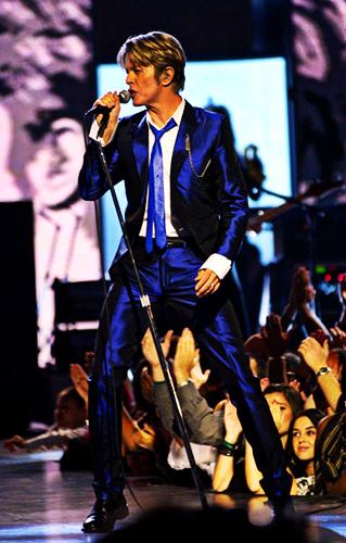 Bowie suit