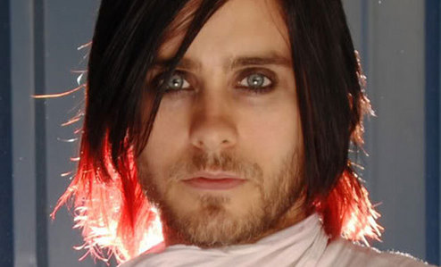 Yesus is a killer...he's killing us with that stare<3