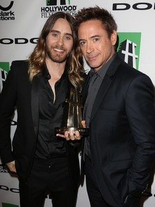 Jésus and Tony Stark...a deadly combo of hotness<3