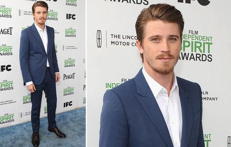 Garrett in a blue suit<3