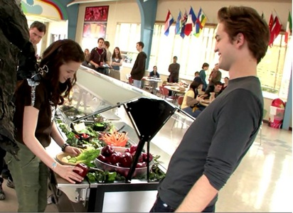 Robert and Kristen in a cute BTS moment on the set of Twilight<3