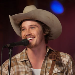 Garrett Hedlund 歌う in the movie Country Strong<3
