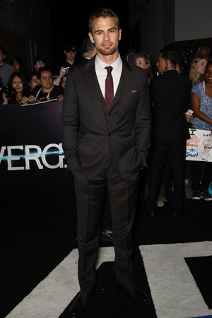 Theo at the Divergent premiere.He has a gorgeous body...too bad it's covered up with clothes<3