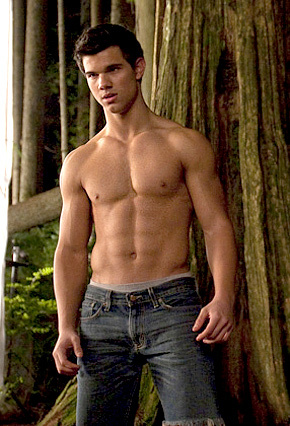 Taylor Hottner was shirtless a lot in New Moon and Eclipse<3