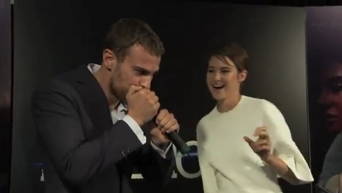 my sexy Theo with a microphone<3