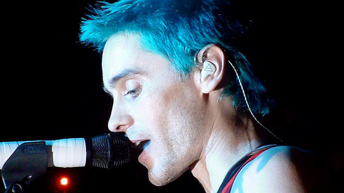 Jared with bright blue hair<3