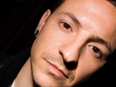 Chester's magical chocolate-eyes ♥ (quite like Bobby's...)