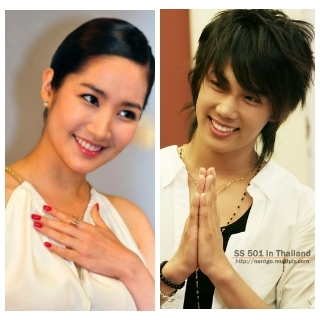 Park Min Young and Park Jung Min. Korean beauty !