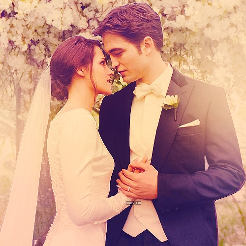 I just love the way Robert and Kristen are looking at each other <3