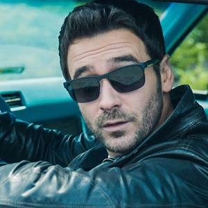 """Allan Hawco - from """"The Republic of Doyle"""" - with his eyebrows raised."""