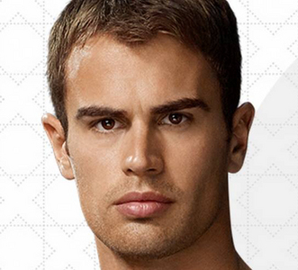Theo's light and luscious lips<3