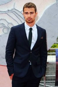 Theo looking even hotter than usual in a suit<3