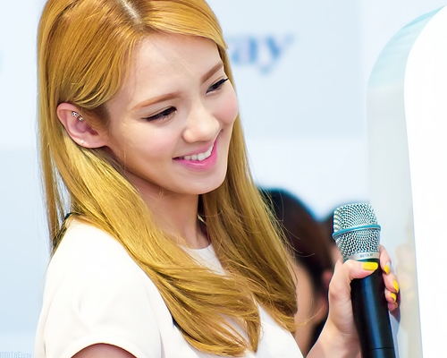 Yoona is definitely the most beautiful to many people and she is the face of SNSD but for me Hyoyeon has always been the most beautiful. I love her personality and her talent in dancing, singing and rapping is amazing too. She definitely looks the prettiest, to me, in SNSD.
