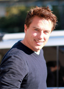 the man who is EVERYTHING to Vicky...John Barrowman.There isn't anything he can't do<3