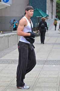 Kellan in jogging pants<3