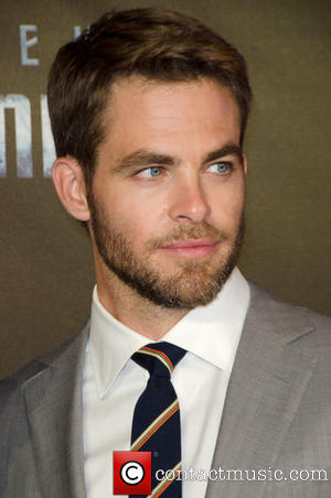 Chris Pine with brown hair<3