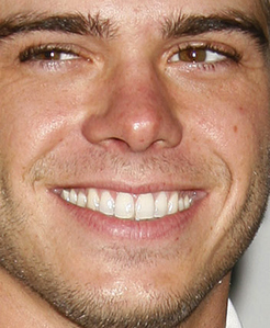 Matthew's Coco brown eyes <333333