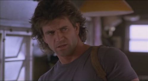 Mel Gibson in Lethal Weapon. The movie is from 1987. I know he has 로스트 his mind now but then he really wasn't that bad to look at.