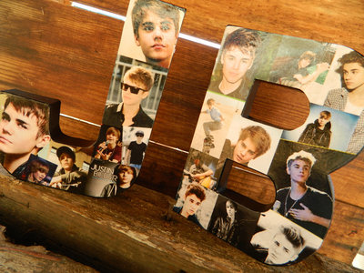 I know Vicky will agree that JB is cool<3