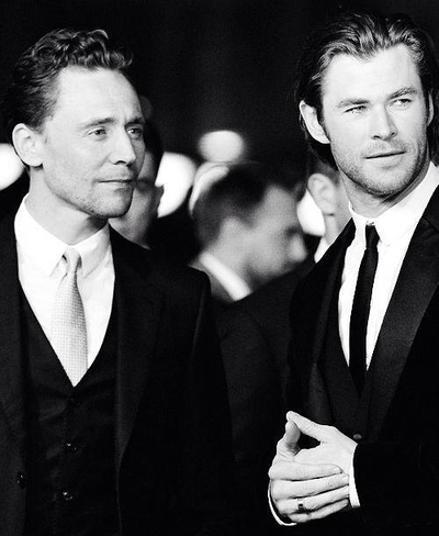 Chris Hemsworth and Tom Hiddleston<3
