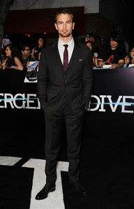 my gorgeous Theo standing on the carpet at the Divergent premiere<3