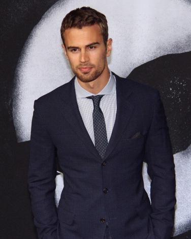 my delicious Divergent hottie in a suit<3